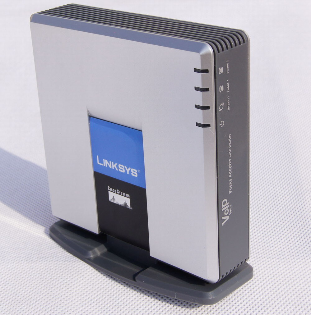 Cisco Systems Linksys VoIP Phone Adapter with Router SPA2102