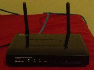 Thumbnail for the TRENDnet TEW-652BRP V3.xR router with 300mbps WiFi, 4 100mbps ETH-ports and                                          0 USB-ports